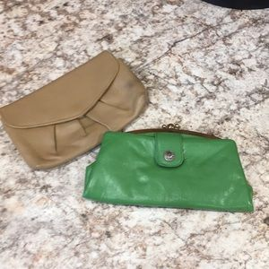 Set of two clutches